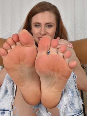 Foot Fetish Free Galleries